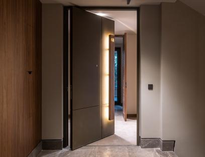 Pivot Kapı